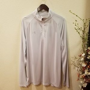 Under Armour Long Sleeves Top Size XL